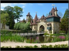 Gate of Raveleijn - Efteling (NL) Fairy Tale Theme, Fairy Tales, Anton Pieck, Entry Gates, Places To See, Netherlands, Mystic, Holland, Dutch