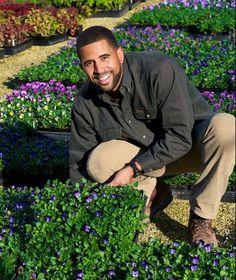 Ahmed-Hassan-host-of-Yard-Crashers