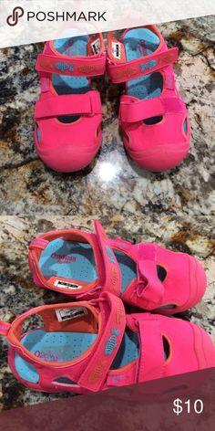 NWOT water shoes by OshKosh B'Gosh Pink water shoes OshKosh B'Gosh light up Osh Kosh Shoes Water Shoes