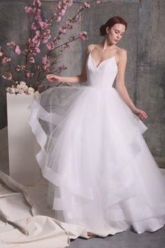 Christian Siriano Bridal Spring 2018 Collection Photos - Vogue