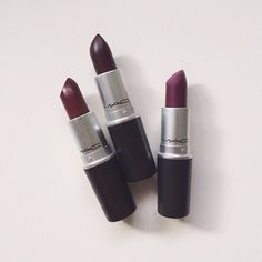 Oooh the one on the right ૢ∗ˈ‧₊° these are more for women with dark skin but I think the purple is a lovely fall color❤️