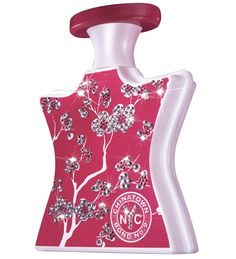 Bond no. 9 Chinatown  A floral accented with fruits in the top notes and a sensual, cardamom base