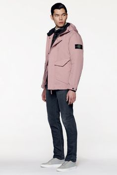 Stone Island Experiments With Formal Aesthetics for Its 2016 Fall/Winter Collection Stone Island Jacket, Casual Wear For Men, Burberry Men, Gucci Men, Hugo Boss Man, Versace Men, Calvin Klein Men, Winter Collection, Outfit
