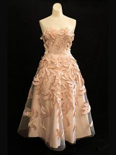 Would make an amazing bridesmaid dress.