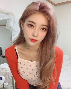 Ulzzang Korean Girl, Cute Korean Girl, Korean Beauty Girls, Asian Beauty, Asian Makeup Looks, Uzzlang Girl, Dye My Hair, Girl Poses, Beautiful Asian Girls