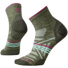 This multi-sport sock features the power of Merino for maximum breathability, moisture management and temperature regulation. Made with Indestructawool™ technology for ultimate durability and the 4 Degree® elite fit system to keep the sock in place. The mini height offers the perfect balance of low profile and protection from debris while the women's-specific fit provides an overall slimmer fit and narrower heel.