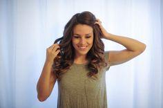 Hair Curling Tutorial by Seattle Wedding Photographer Tonie Christine