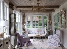 Living room in French country house style, interior in French country house style, RUSTIC-CHIC LIVIN French Style Sofa, French Cottage Style, French Home Decor, French Country Style, French Country Decorating, Parisian Style, French Interior, French Country Chairs, Country Chic
