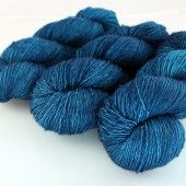 squoosh fiberarts: I'd like to get to know this yarn better!