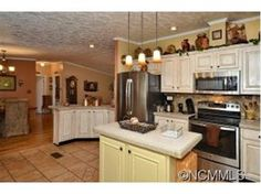 18 HENRY WHITE LANE, Leicester, NC