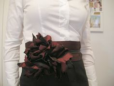 Fancy but easy belt, can be worn with or without flower.