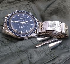 Jacoby Bender Champion mesh band on 321 Speedmaster thread Photo by flyinghell34.