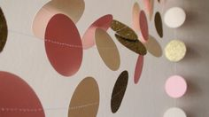 Pink Ivory Gold glitter Circles Paper Garland by HelenKurtidu Gold Party Decorations, Baby Shower Decorations, Pink Gold Party, Gold Bridal Showers, Garland Wedding, Blush And Gold, Gold Glitter, Circles, Ivory