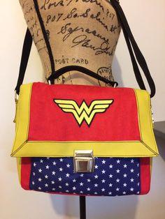 Sac Quadrille Wonder Woman cousu par Céline - patron Sacôtin