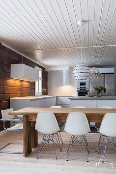 Cottage Renovation, Pantry Organization, Log Homes, Kitchen Decor, Lounge, Interior Design, Woods, Table, Furniture