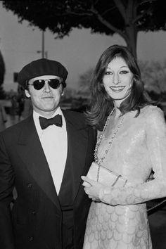 Jack Nicholson and Anjelica HoustonJanuary 1, 1976   - ELLE.com