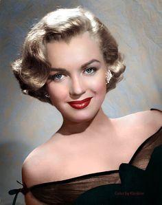 Marilyn Monroe, a major sex symbol of Hollywood in Hollywood Stars, Hollywood Icons, Hollywood Glamour, Classic Hollywood, Old Hollywood, Fotos Marilyn Monroe, Stars D'hollywood, Foto Portrait, Jacques Fath
