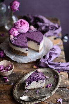 Blueberry vanilla coconut raw cheesecake