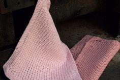 Her får du opskrifterne på to forskellige og nemme, strikkede og hæklede karklude.