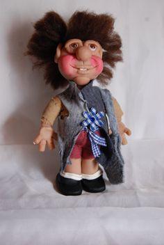 OOAK Polymer Clay Kunstfigur,großer Kobold,handgefertigt,Fantasie Figur,Märchen Figur,Weihnachtsgeschenk,Gnom,Wichtel,Troll von Luthiannasworld auf Etsy