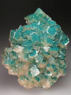 Dioptase and calcite