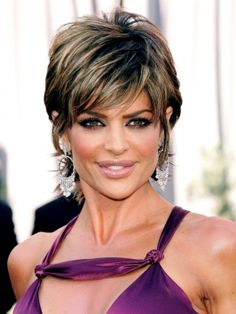 Lisa Rinna s still wearing her famous short shaggy hairstyle that have inspired a lot of imitators. Snipped with lots of interior layers, a look is loaded with volume and texture.