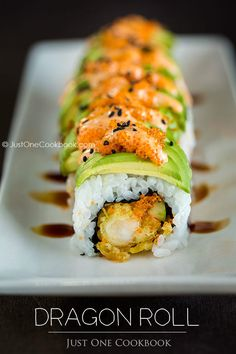 Dragon Roll Sushi - you can use frozen Trader Joe's shrimp tempura for a short cut Easy Japanese Recipes, Asian Recipes, Japanese Desserts, Japanese Food Sushi, Mexican Recipes, I Love Food, Good Food, Yummy Food, Tasty