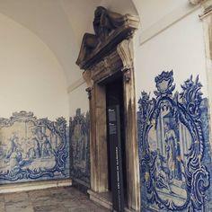 #lisbon #lisboa #lisbonne #lisbona #convento #azulejosdecorados #azulstileyourlife #azulejos #azulejosbonitos #azulejo #azulejosportugueses #tileaddiction #tiled #ihavethisthingwithtiles #tiles #tile #portuguesetile #portuguesetiles #antiquetiles by azul_s_tile_your_life