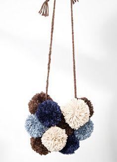 Pom Pom necklace - bleubird