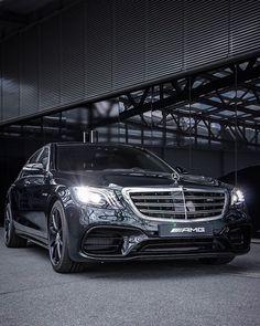 Mercedes Brabus, Mercedes Benz Trucks, Mercedes Benz G Class, Mercedes Benz Cars, S Class Amg, Benz Suv, Mercedes Benz Wallpaper, Daimler Ag, Mercedez Benz