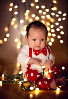 This smartly dressed little gent: | 29 Babies Who Totally Nailed Their First Christmas Photo Shoot