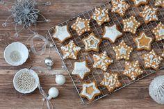 I Biscotti alla cannella e arancia sono un dolce natalizio veloce da preparare. Ottimi la una cioccolata calda o da inzuppare nel tè. Cake Cookies, Christmas Cookies, Happiness Recipe, Christmas Biscuits, Biscotti Cookies, Italian Cookies, Xmas Food, Sweet And Salty, Winter Food