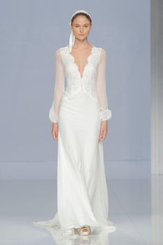 Wedding Dress with Sheer Sleeves and Beading | Rosa Clará Spring 2018 |  http://trib.al/yOTYx2L