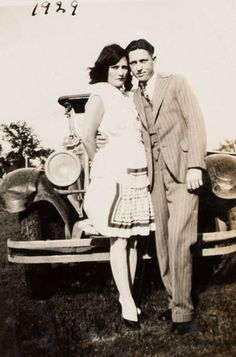 Bonnie And Clyde Car, Bonnie And Clyde Photos, Bonnie Parker, Mafia Gangster, Al Capone, Historical Pictures, Serial Killers, Rare Photos, Vintage Photography