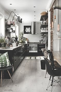 Needs some color - industrial cozy kitchen Small Space Interior Design, White Interior Design, Kitchen Interior, Kitchen Decor, Cozy Kitchen, White Decor, Beautiful Kitchens, Home And Living, Interior Inspiration