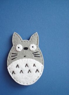 felt - lovely simple design . I would add a rectangle of felt fot perfect bookmark