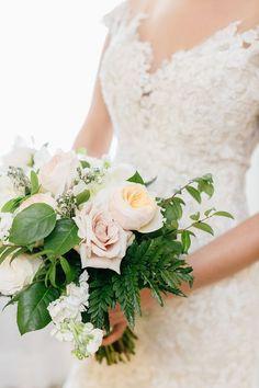 Lovely wedding bouquet  | wedding | | flower bouquet | | wedding bouquet | | wedding flowers | | bridal blooms | #wedding #weddingbouquet #weddingflowers #bridalblooms https://www.starlettadesigns.com/