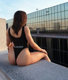 Would you watch the sun rise w/ @dangershewrote if it was on top of a skyscraper? 🤔