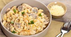 One Pot Creamy Chicken and Mushroom Pasta - Slender Kitchen Chicken Mushroom Pasta, Creamy Chicken Pasta, Fiber Pasta, Slender Kitchen, Bulgarian Recipes, Bulgarian Food, Cheesy Sauce, 20 Min, Pasta Dishes