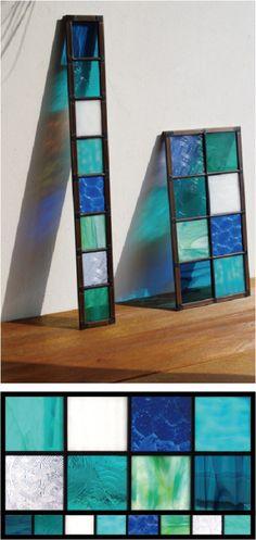 ステンドグラスが大好きとおっしゃる奥様に、ガラスを1枚1枚選んでいただきましたブルー系のパネルです。仕上がりもとても喜んでいただけました。ありがとうございました。