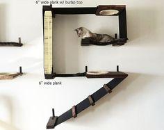 Kunden bevorzugten -Ladder und Sisal Loch kombinieren einen Hund frei Hafen erstellen -Zwei Hängematten zum Faulenzen -Robust; jede Hängematte getestet, um die 62 kg und jedes Stück Holz halten getestet, 85 kg zu halten -Elegantes, all-in-One design Unsere Katze Heisenberg liebt Abrufoperation auf Deluxe Playplace spielen. Er läuft auf der Leiter, durch das Loch Sisal gesäumten und bis zu der obersten Ebene, wo sein Spielzeug ausgelöst wurde, und dann wieder nach unten. Wenn er müde wird…
