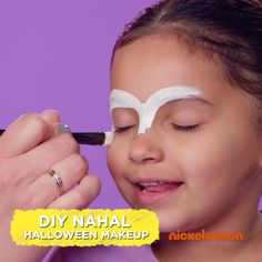 Need inspiration for your boy or girl's next DIY Halloween kids costume? Learn how to do Shimmer and Shine face paint to complete your toddler or preschooler's Nahal costume! This Halloween face paint idea also works for a homemade kids tiger or cat costu Face Painting Tutorials, Face Painting Designs, Body Painting, Girl Face Painting, Face Paintings, Diy Halloween Costumes For Kids, Halloween Makeup, Halloween Face, Costume Halloween