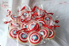 Capitán América fiesta temática American captain theme party http://tartasdelunallena.blogspot.com.es/ galletas decoradas capitan america american captain decorated cookies Capitan america tarta decorada American captain cake