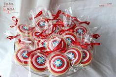 Capitán América fiesta temática American captain theme party http://tartasdelunallena.blogspot.com.es/ galletas decoradas capitan america american captain decorated cookies Capitan america tarta decorada American captain cake