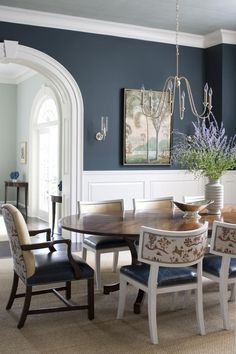 42 Unusual Traditional Dining Room Design Ideas That Looks Elegant / / 42 Unusual Traditional Dining Room Design Ideas That Looks ElegantUnusual Traditional Dining Room Design Ideas That Looks Elegant 354 Dining Room Paint Colors, Dining Room Walls, Dining Room Sets, Dining Room Design, Dining Chairs, Dining Room Wainscoting, Wainscoting Bedroom, Blue Dining Rooms, Formal Dining Rooms
