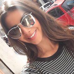@raizamarinari já desfilando com com o novíssimo #Dior ✨ Já colocou na sua lista de desejos esse #Round ➖➖ #oticaswanny #wannynews #wishlist #sunglasses