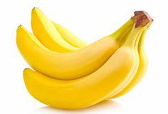 Bananele nu sunt daunatoare intr-o dieta de slabit, ci dimpotriva! Afla cate calorii are o banana si de ce este recomandat sa mananci acest fruct daca vrei sa slabesti!
