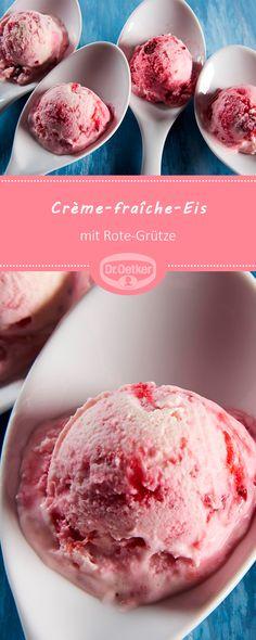 Crème-fraîche-Eis mit Rote-Grütze: Cremig-fruchtiges Eis mit der typischen Crème-fraîche-Note #Eisrezepte #selbstermachen