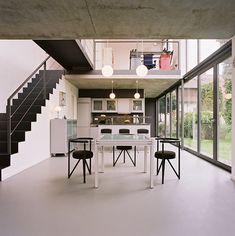 Schmaler Wohnwürfel