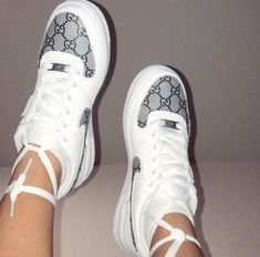 shoes nike cute Gucci x NIKE Air Force Trending Women Men Stylish Running Sport Shoes Sneakers I/A on Wanelo Dr Shoes, Hype Shoes, Me Too Shoes, Jordan Shoes Girls, Girls Shoes, Ladies Shoes, Shoes For Women, Cute Sneakers For Women, Sneakers Fashion